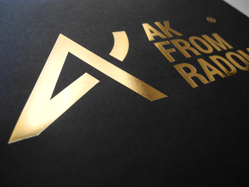 koperta czarna złocone napisy warszawa